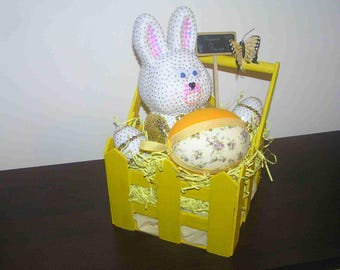 Easter: Wooden basket with eggs and Bunny sequins