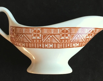 Mayer China Edgewater Beach Hotel China Chicago 5-ounce Sauceboat in Excellent Condition 1965