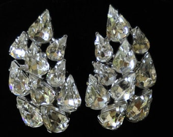 Stunning Vintage Weiss Earrings~Clear Ice Rhinestones~Signed