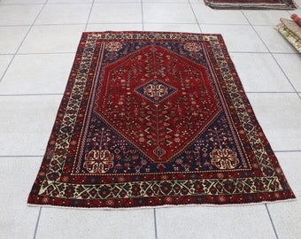 """Persian accent rug, accent tribal rug. Size:142 cm x 202 cm - 4'8"""" x 6'8"""""""