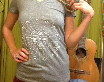 Soft Grey Vintage Style Womens Small Graphic Tee