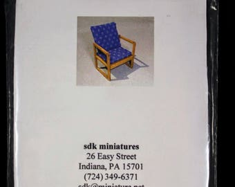 "Dollhouse Miniatures 1"" scale Basic Chair Kit"