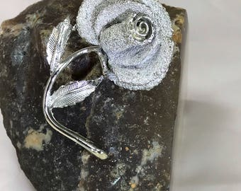 A Stunning Large Vintage Signed Exquisite Silver Tone Rose Brooch