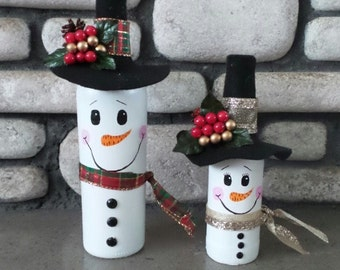 Mr. & Mrs. Snowman Wine Bottle Set, Winter Decor, Christmas Decor, Hand Painted,Snowman Decor, Snowman Family, Rustic Decor,Christmas, Gift