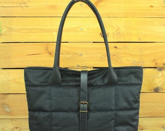 Waxed Canvas tote bag, Travel bag, canvas tote, black Waxed bag, hand-padded bag, shopping bag, Tote bag with leather