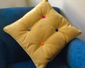 Velvet 4 button cushion