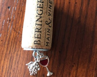 Grapes Wine Cork Winery Beringer Main & Vine Necklace