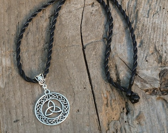 Encircled Triquetra Necklace - amulet talisman pagan wicca wiccan witch witchcraft irish ireland symbol trinity unity celtic norse knot work