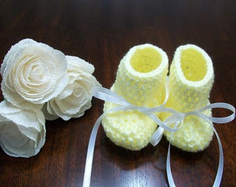 Yellow Crochet Baby Boots, Yellow Baby Shoes, Yellow Crib Shoes, Yellow Crib Booties, Yellow Crochet Baby Boots, Yellow Crochet Baby Shoes