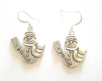 Christmas snowman snow silver, handmade silver wire earrings.