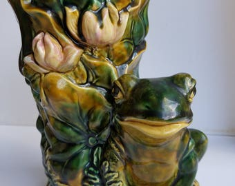 Large Majolica Vase with Pink Lotus, Leaves, Fern and Large Green Frog