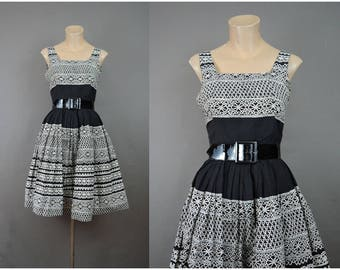 Vintage Black & White Print Dress, 32 bust, Cotton with Full Skirt, 1950s 1960s Novelty Lace Print