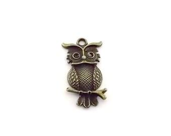 Pendant Large Antique Brass Owl