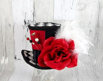 Queen of Hearts– Black, White, and Red Color Blocked Red Rose Large Mini Top Hat Fascinator, Alice in Wonderland Mad Hatter Tea Party, Derby