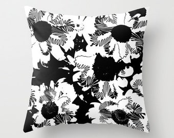 Black and white flower decorative pillow, flower cushion, modern floral home decor, indoor floral pillow outdoor patio pillow, sofa pillow
