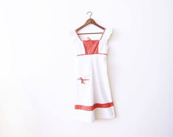 White Vintage Dress / 60s Dress / Peasant Dress / Red White Summer Dress / 1960s Sundress / Empire Waist Dress / Floral Dress