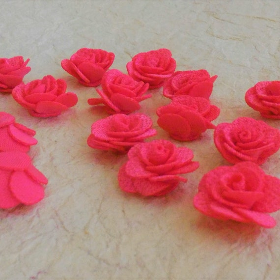 CLEARANCE 16 pcs Small Peach Pink Polyester-type Fabric Roses, Pink Rose Craft Embellishment Jewelry Trim Cabochon Rings Hair Clips Sewing