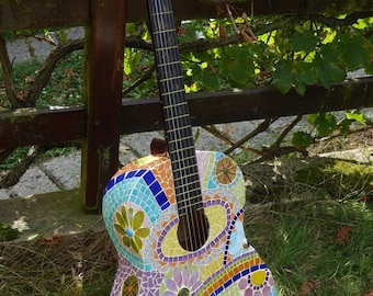 Yéyé vetitable guitar decorated with multicolored mosaic guitar
