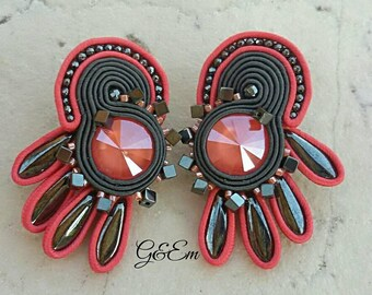 Sosoutache earrings, with salmon pink svarosky cristal, gray and pink earrings, punk rock earrings, artistic earrings, gift for her