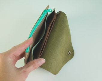 SOBRE - Extended S olive and craquele mint green leather, 16 x 10 cm