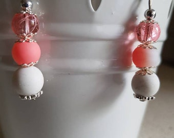 Pretty earrings salmon and white