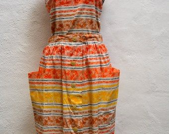 1950's TOP and SKIRT SUIT in a Wonderful Vibrant Tropical Palm Leaf Print. Size Medium