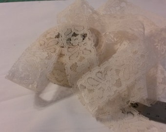 Doubled Edge Off White Vintage Lace