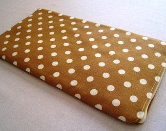 Polka Dots on Beige - Apple Magic Keyboard or Samsung Wireless Keyboard Sleeve - Padded and Zipper Closure
