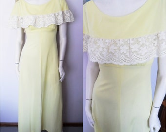 Vtg.70s Yellow White Lace Cape Flutter Sleeve Maxi Dress.Small.Bust 32-34.Waist 24-26.
