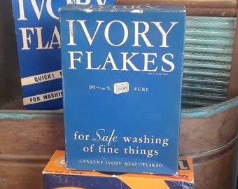 Vintage 1920's Proctor and Gamble Ivory Flakes, 12.5 oz.