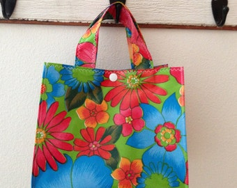 Beth's Lime Green London Oilcloth Lunch Box Tote Bag