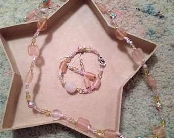 Pretty in Pink Necklace, Bracelet and Earring Set