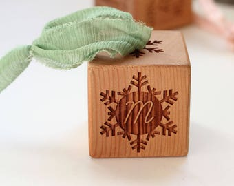 Baby's First Christmas Snowflake Ornament Custom Block Hanging Cedar Wood Ornament for New Baby Gift for New Family Baby Boy Baby Girl Gift