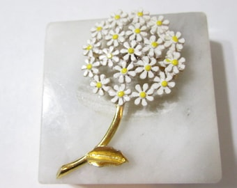 White and Yellow Enamel Daisy Flower Pin Vintage 1960s Vintage Great Gift