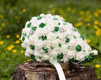 Emerald green and ivory teardrop bridal bouquet