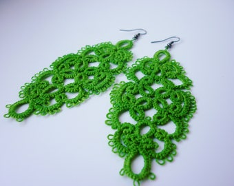 Green elegant tatted earrings - needle tatting jewellery - customise it - shuttle lace jewelry - frivolite - romantic look - sexy pattern