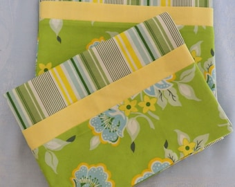"""Pair of Queen Pillowcases Free Spirit 100% Cotton Fabric """"Nicey Jane"""""""