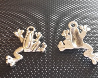 Frog Charms - 12 pcs. - Animal Charms - Antiqued Silver Frog Charm -  Sturdy Charms