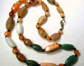 Earthy Stone BEGGAR BEAD Necklace,  Rust Green White Agate Vintage 1980s, Made for the West, with Black Onyx Spacer Beads,