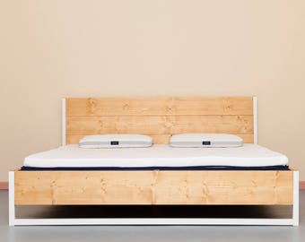 Bed of Recycled Lumber & Steel | Luberon Nature