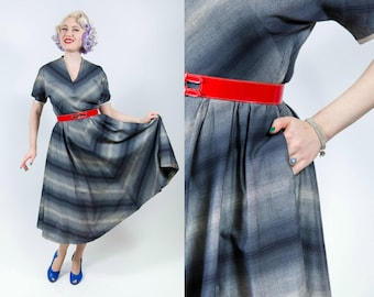 1950s New Look Gray Chevron Striped Dress - Medium