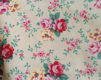 Vintage 1950s Fabric, Vintage Fabric, Florals On Cream, French Florals, Shabby Chic, Cotton Fabric, Cream Background, French Vintage Textile