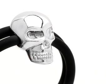 skull bracelet, silver skull bracelet, vanitas jewellery, rubber cord bracelet, silver skull, rubber jewellery, design jewellery,rubber cord