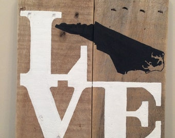 LOVE w/ (your state) Rustic Wood State Gift / pallet art