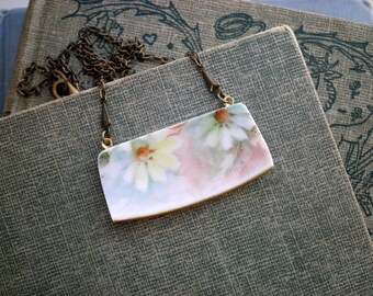 Broken China Jewelry - Vintage Daisy Floral China Necklace - Boho Antique Flowers Broken Plate Bar Pendant Gift- Bohemian Daisies Necklace