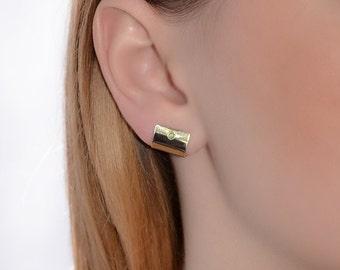 Gold Stud Earrings, 2mm Green opal stud earrings, Opal post earring, Cartilage earring, 20 gauge helix earring stud, Cartilage piercing