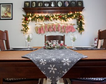 Christmas table runner, Christmas placemats, Christmas table settings, Snowflake table runner, snowflake placemats, New Years table setting