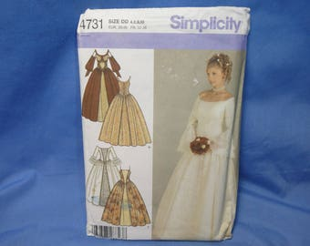 Simplicity 4731, Bridal Renaissance Formal Dress Sewing Pattern, DD (4, 6, 8, 10), uncut