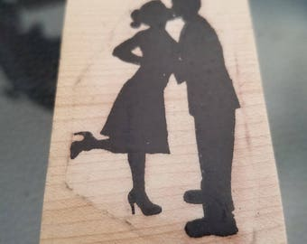 1.25 x 3 inches adorable couple in love kissing great for a wedding or engagement red rubber stamp perfect for card-making or scrapbooking