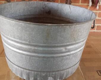 Vintage Galvanized Round Wash Tub